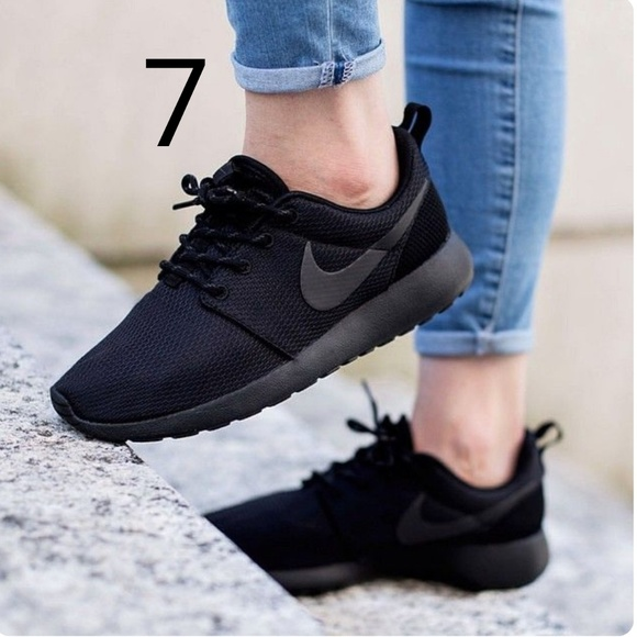 official classic shoes exclusive range Nike Roshe One womens 7 Triple Black Boutique